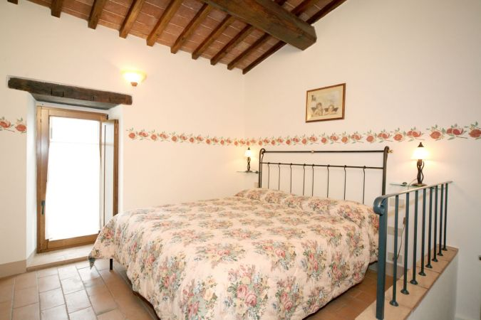 Apartments in the countryside of Siena in Tuscany with panoramic views